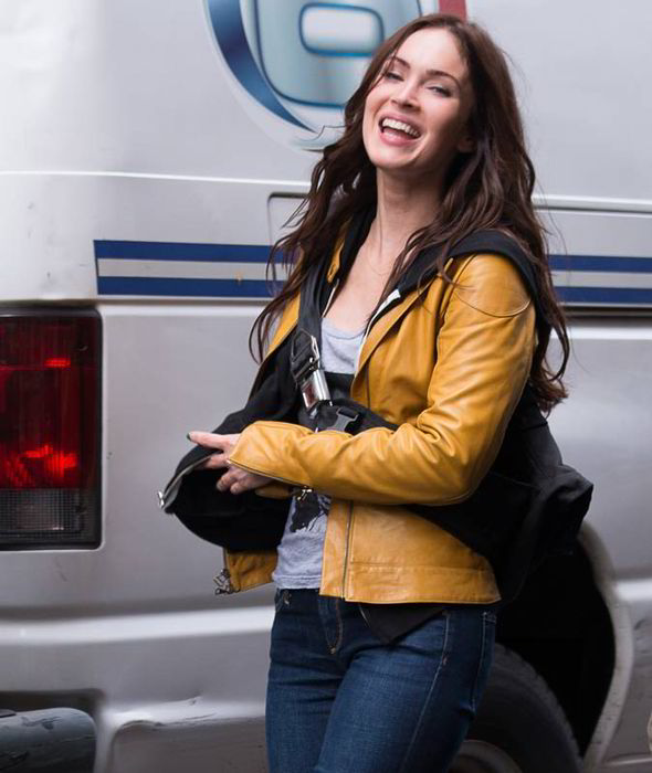 Megan fox , playing reporter in the movie